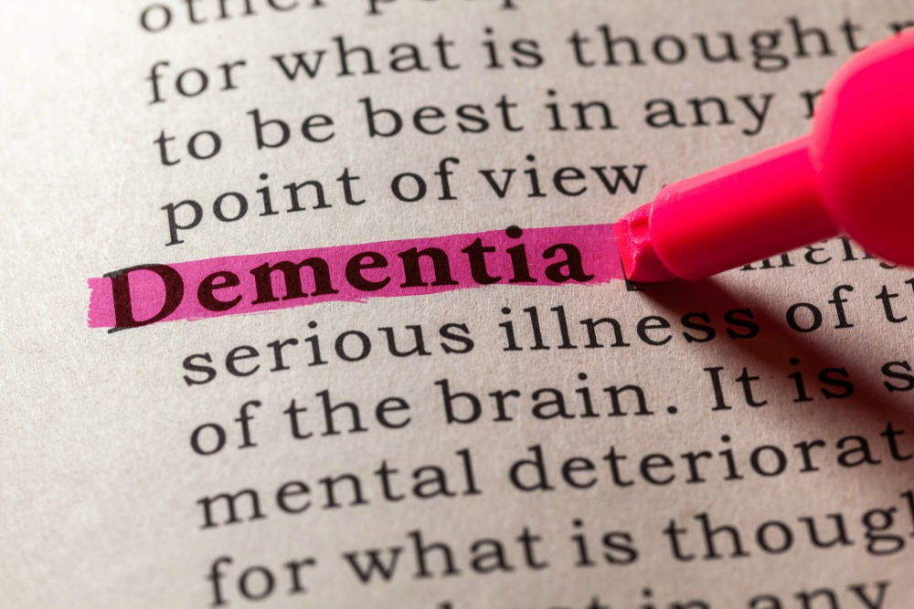 There are many signs of dementia other than memory loss to keep an eye out for in a loved one.